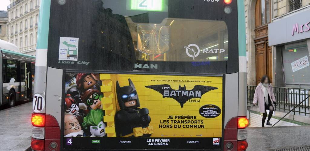 02_LEGO BATMAN PREND LE BUS