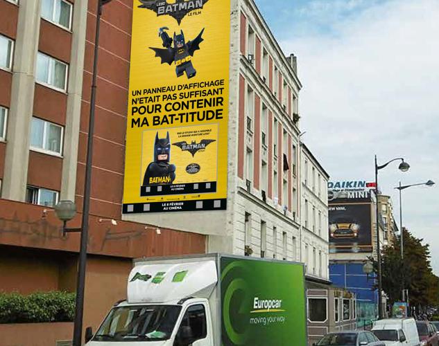08_LEGO BATMAN investit les rues