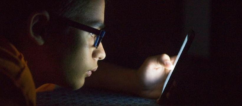 enfant smartphone