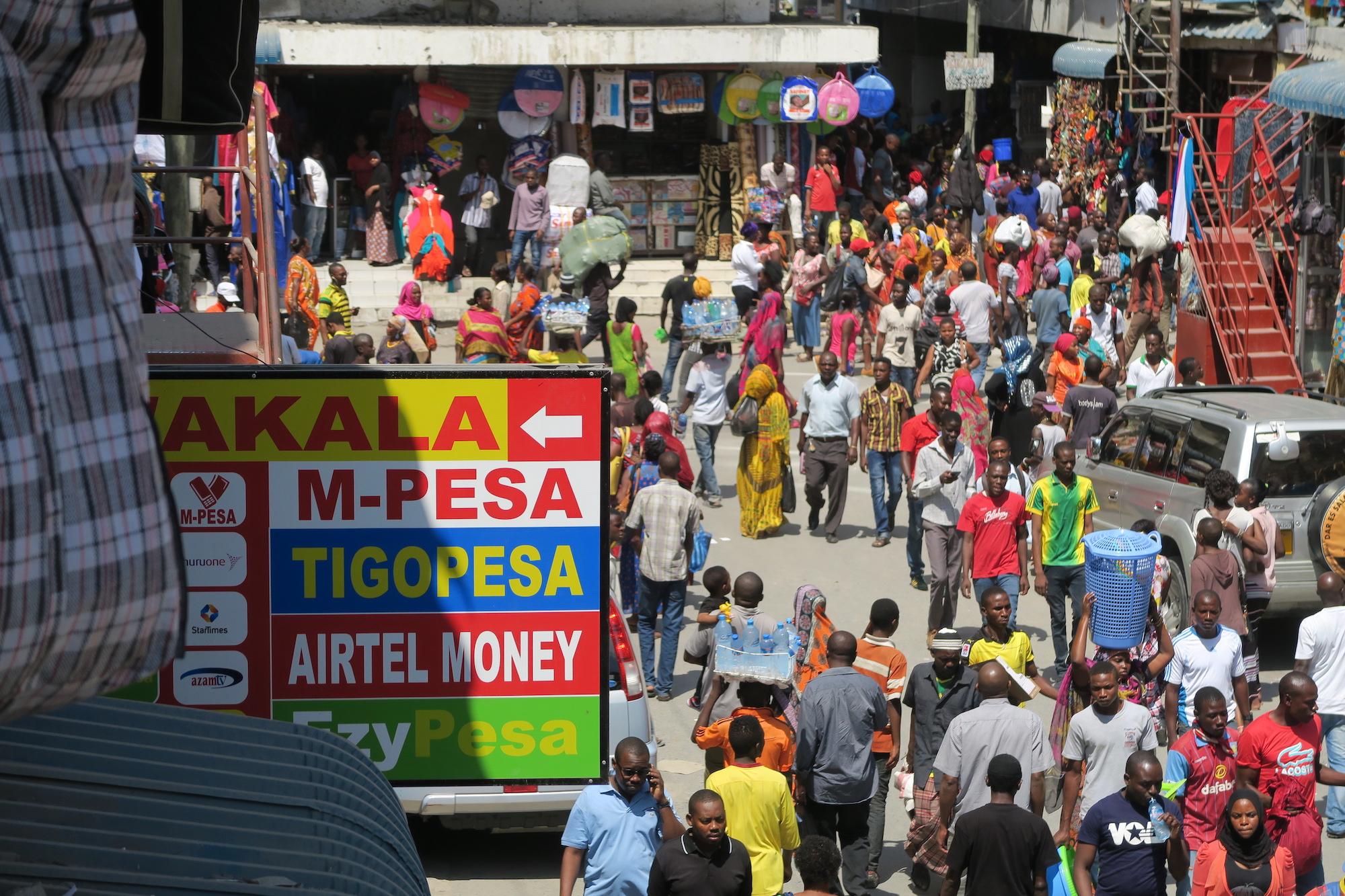 Tanzanian-market-mobilemoney