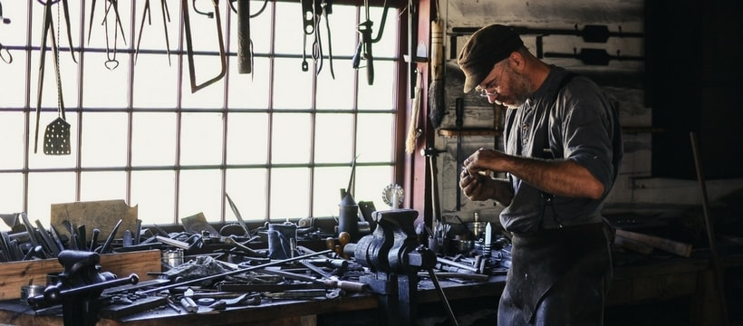 Homme ouvrier artisan