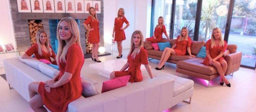 8 femmes jumelles