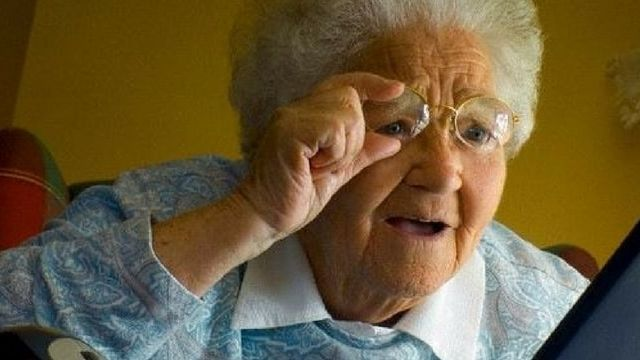 Meme Grandma finds the Internet
