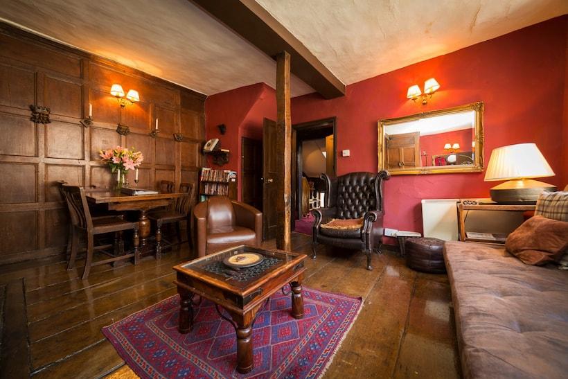 un appartement hanté sur airbnb