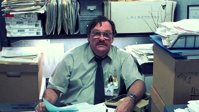 A l elysée emmanuel macron choisit le « bureau qui rend fou