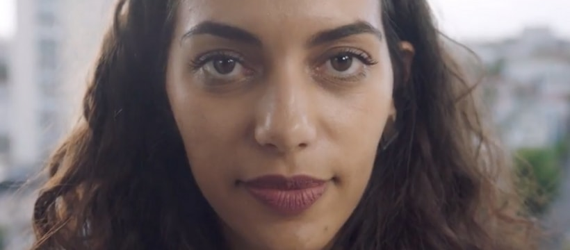 femme dorigine arabe en gros plan