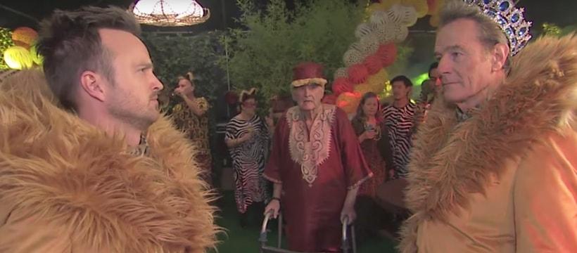 bryan cranston et aaron paul en costume de lion