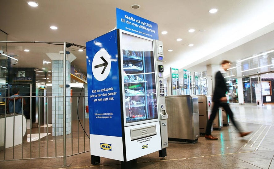 distributeur automatique d'outils de cuisine Ikea en Suède