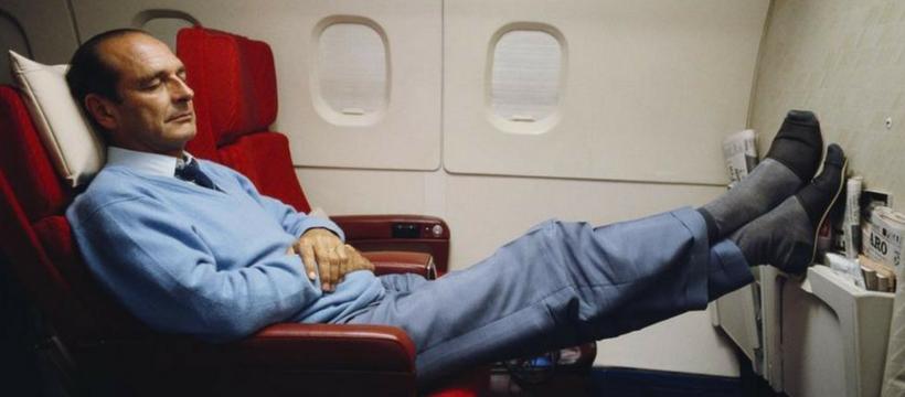 Jacques Chirac se repose dans lavion