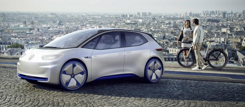 Voiture électrique Volkswagen en ville