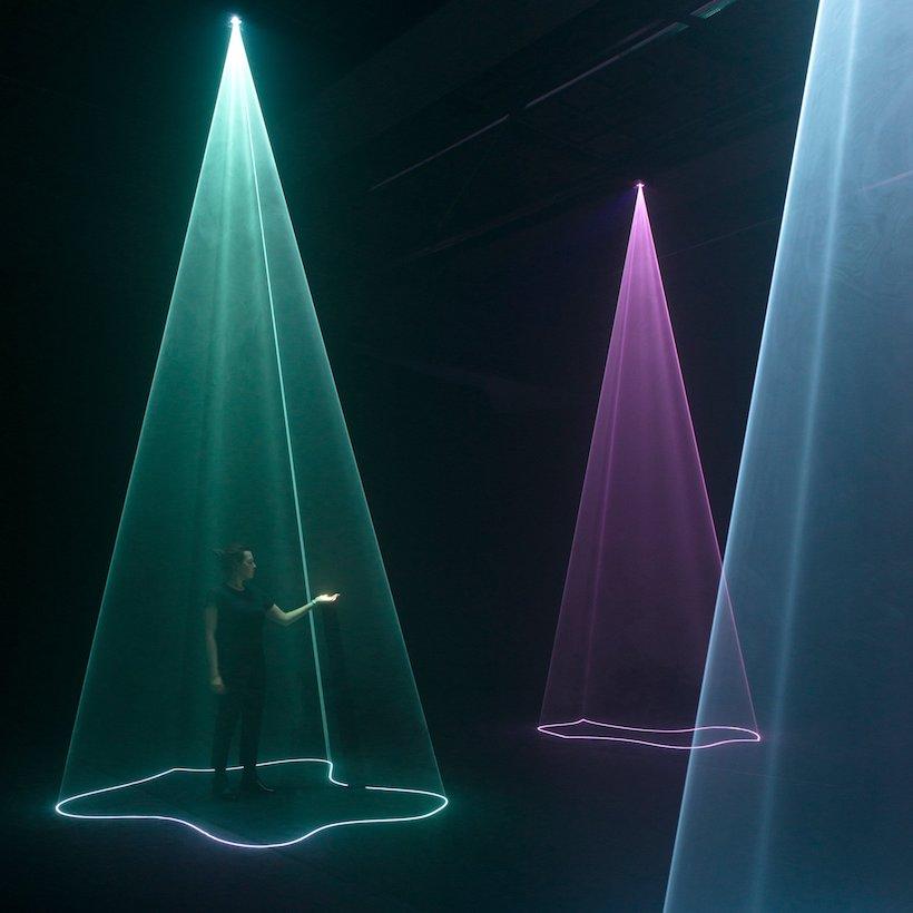 Faisceaux lumineux exposition