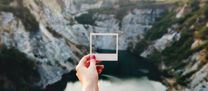 main de femme panorama et cadre photo