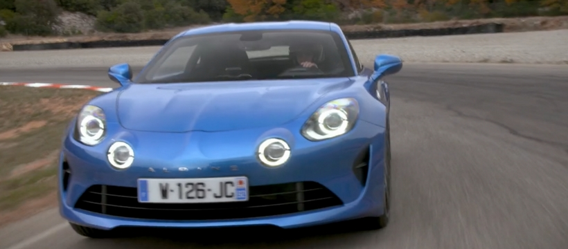 voiture bleue Alpine