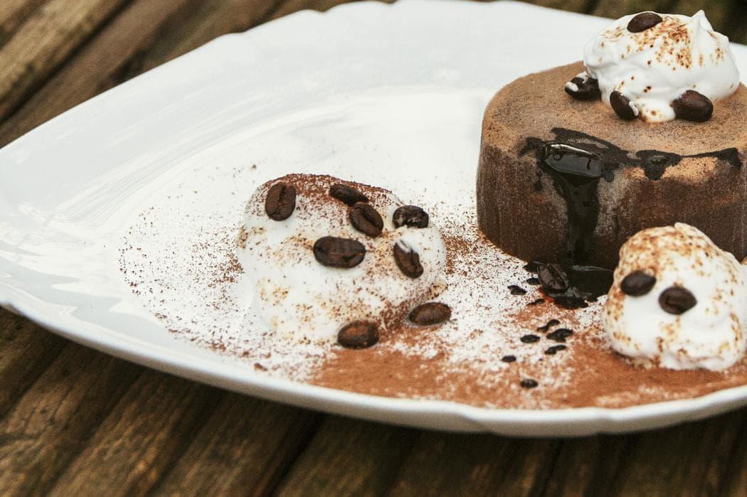 dessert chocolat et chantilly
