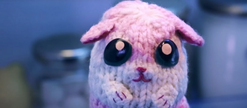 petit chaton en laine rose