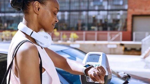 Visa offre la possibilité de payer avec une montre connectée