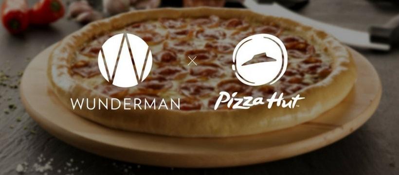 affiche de Wunderman et pizza hut
