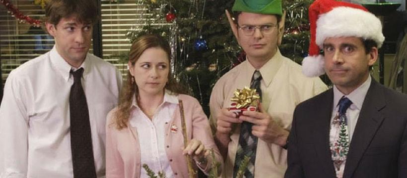 Extrait d'un épisode de la série The Office, où les protagonistes fêtent Noël