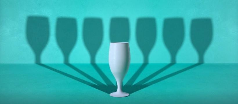 un verre et sept ombres