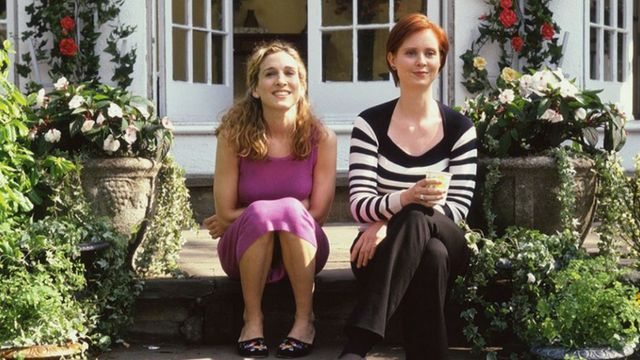 Carrie Bradshaw et Miranda Hobbes dans Sex and the City