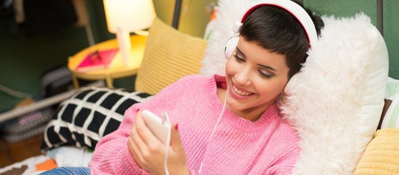 ado écoutant musique