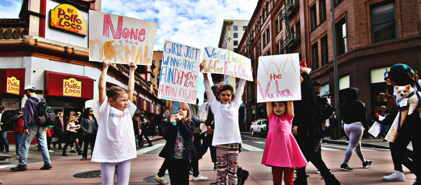 enfants à une manifestation