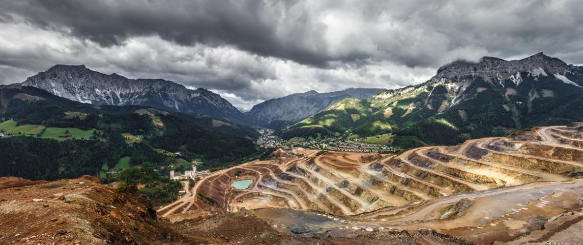 montagne mine métaux rares