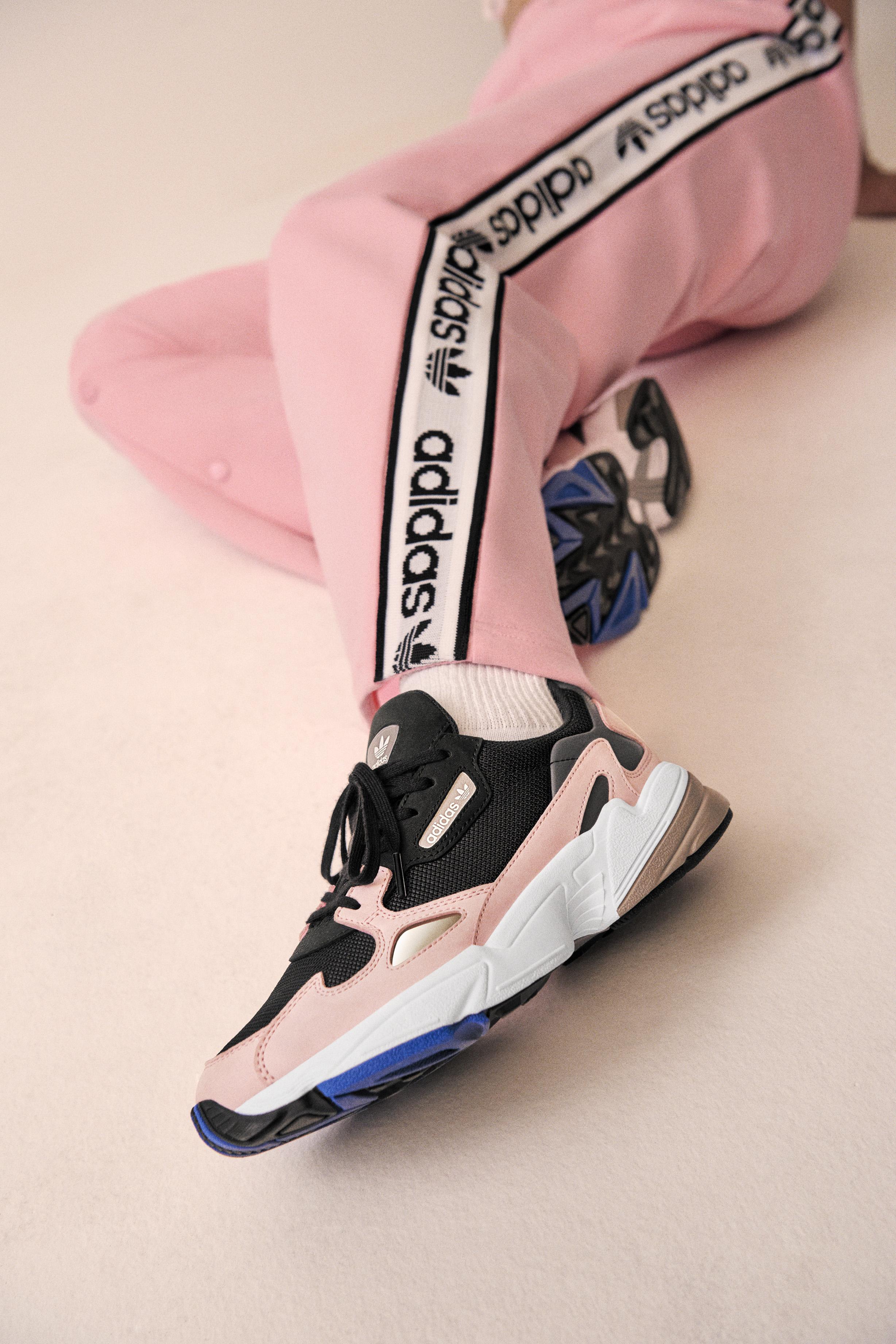 D'adidas Kylie De Originals Falcon JennerÉgérie La Sneaker 7gyY6fb