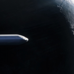La fusée BFR passe devant la lune.