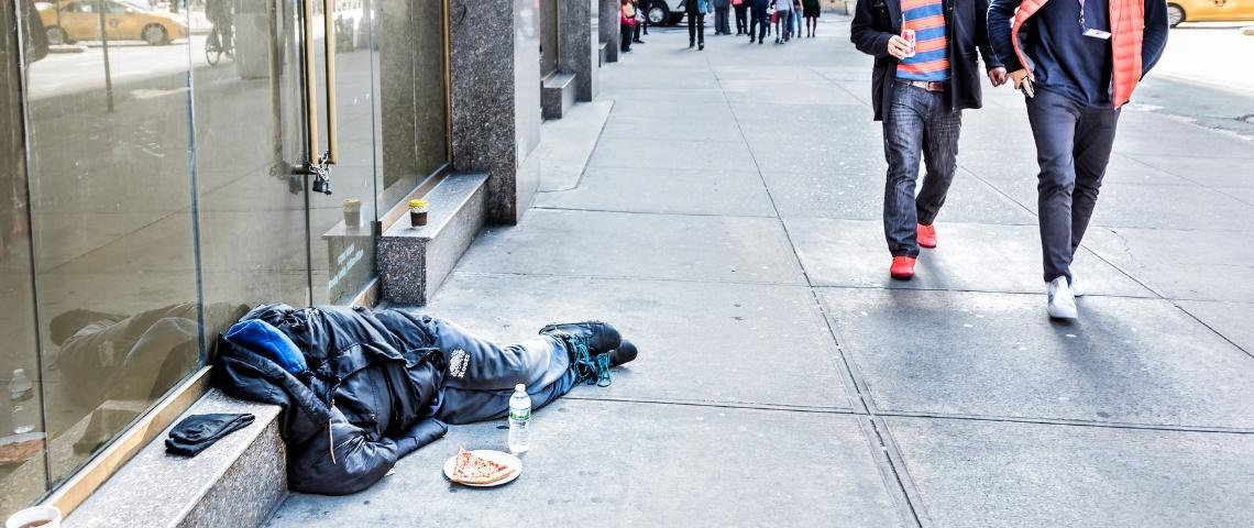 Une personne sans-abri dans la rue aux Etats-Unis