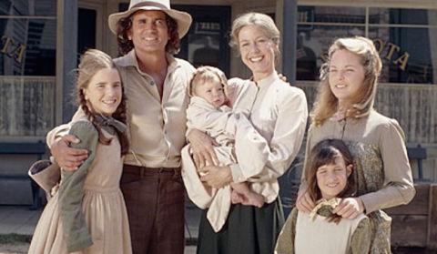 famille petite maison dans la prairie