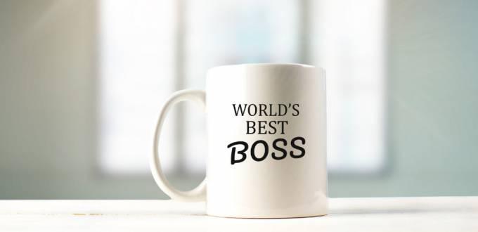 Une tasse avec l'inscription world's best boss
