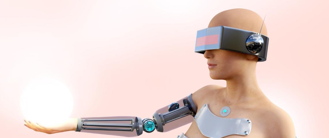 Une femme robot tient une boule de lumière dans la main