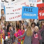 manifestation féminisme femmes chanel