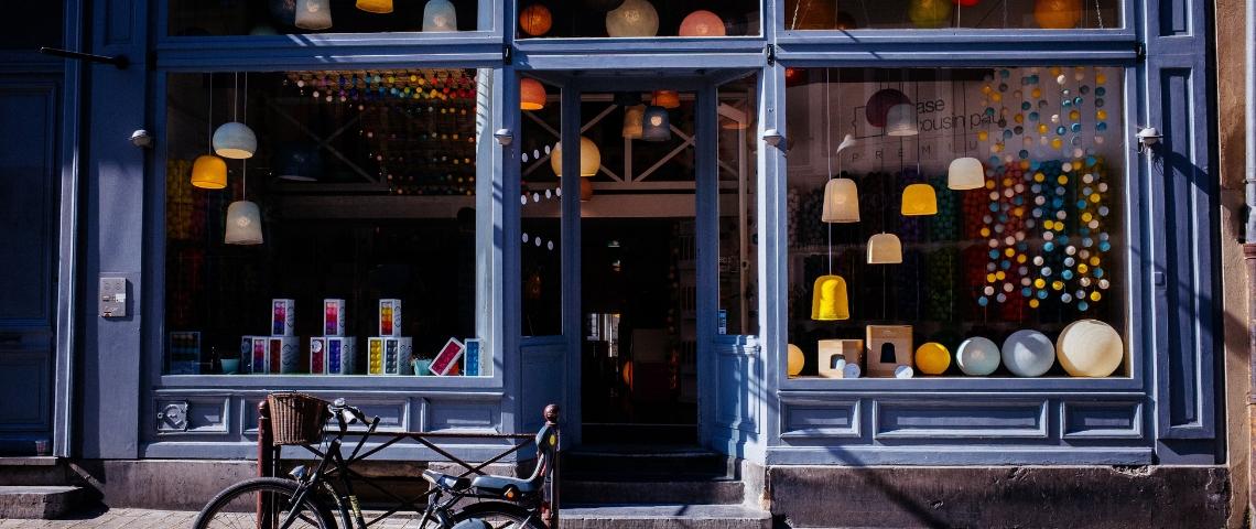 La vitrine d'un magasin