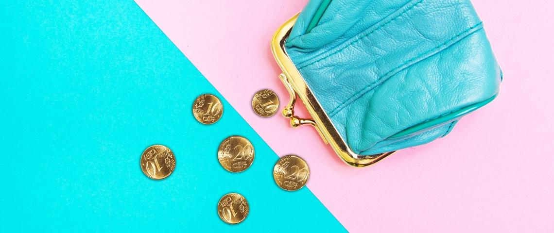 Un porte monnaie design vidé de ses pièces