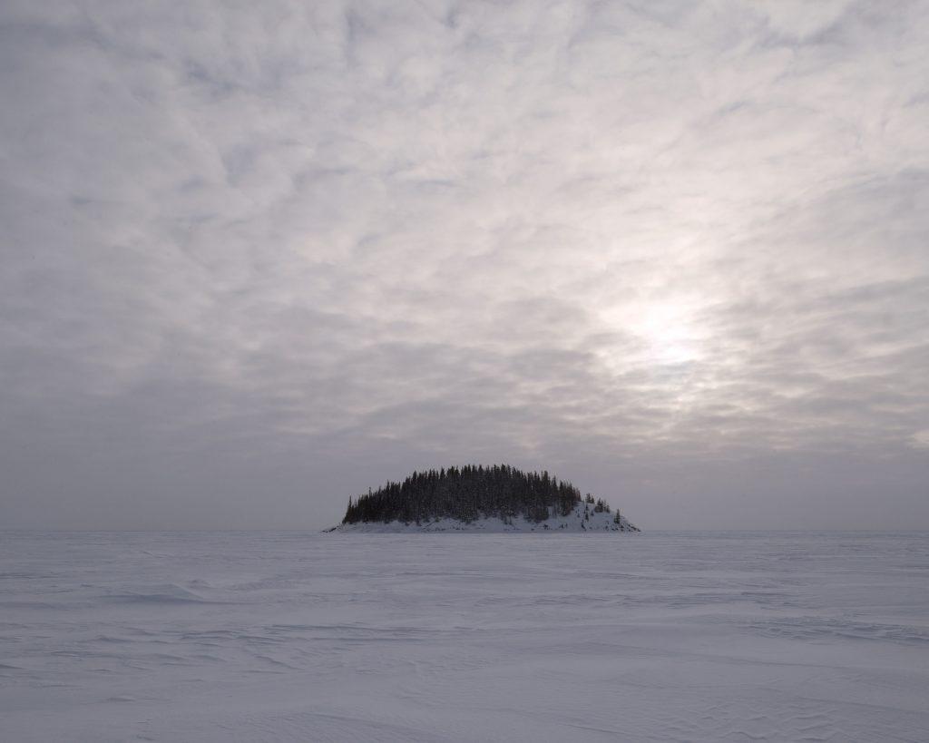 Photo de l'artiste Samuel Bollendorff d'une île au Canada