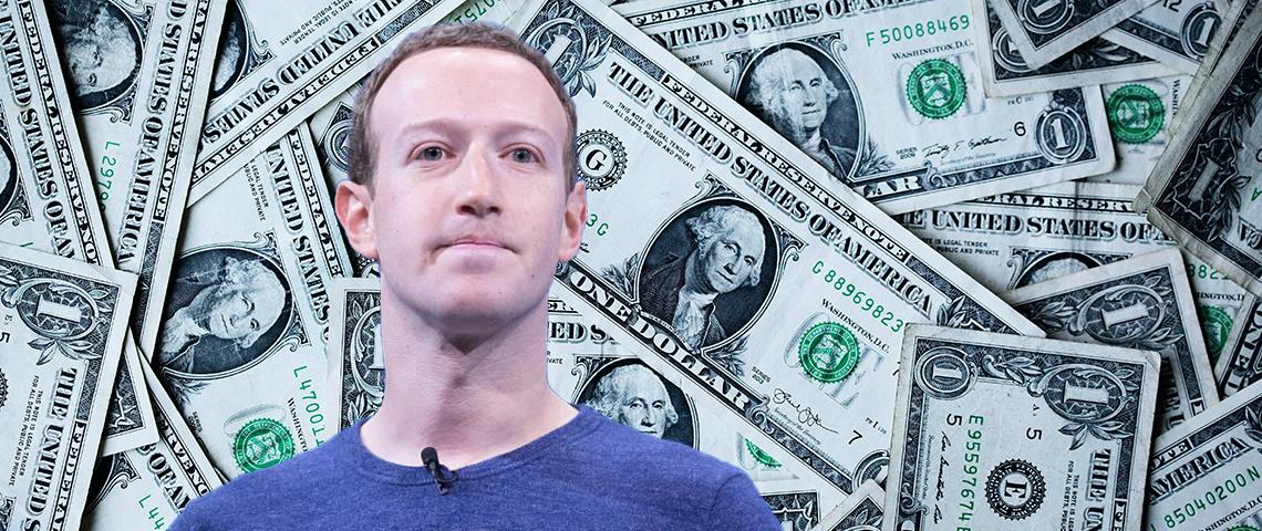 Mark Zuckerberg devant des liasses de billets verts