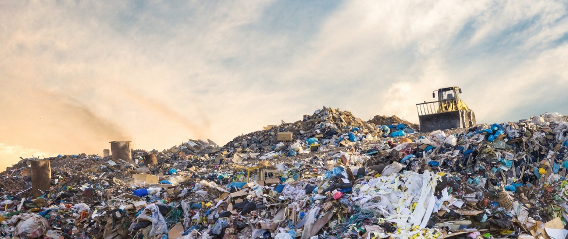 Une montagne de déchets plastiques