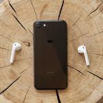 iPhone et écouteurs