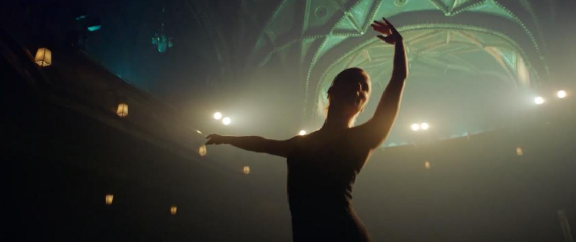 Une femme en train de danser