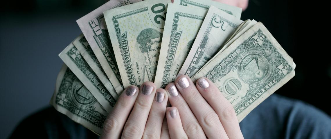 Des billets de dollars