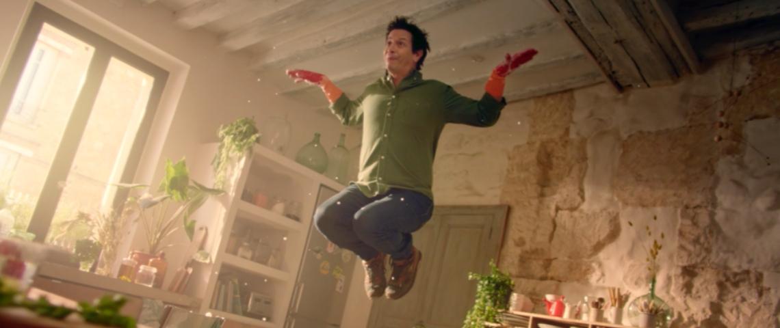 Un homme qui saute