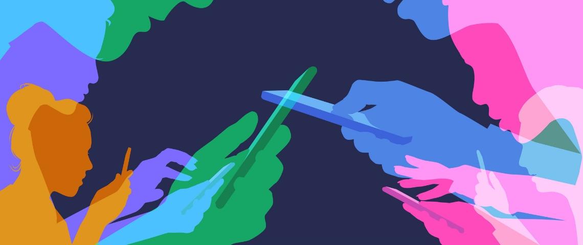 Des formes humaines en couleurs sur leurs téléphones