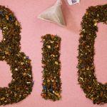 Le mot BIO écrit avec du thé