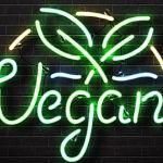 """Un néon vert fluo avec le mot """"vegan"""""""