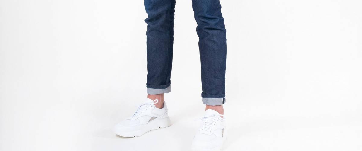 Une paire de jeans AVN