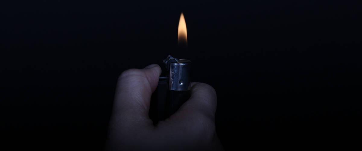 briquet-obscure-main