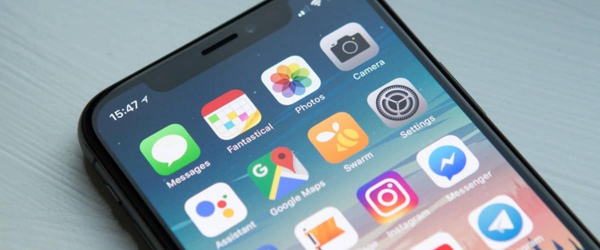 Gros plan sur écran d'IPhone XS