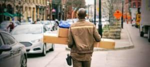 Amazon paye ses employés pour qu'ils démissionnent et deviennent livreurs
